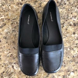 Andrea Slip ons New without box